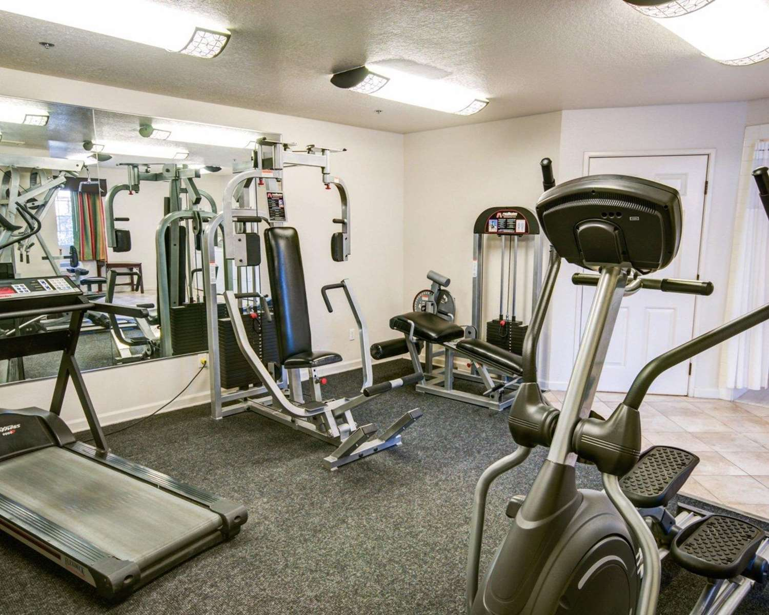 Fitness/ Exercise Room - Comfort Inn Redding