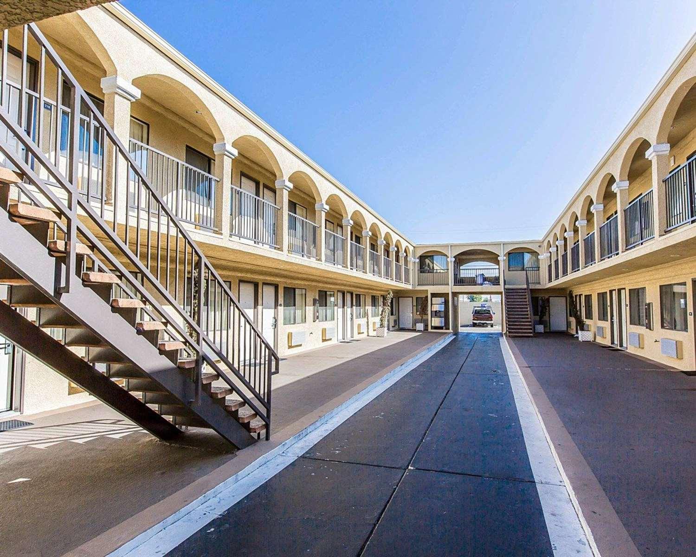 Exterior view - Rodeway Inn & Suites Inglewood