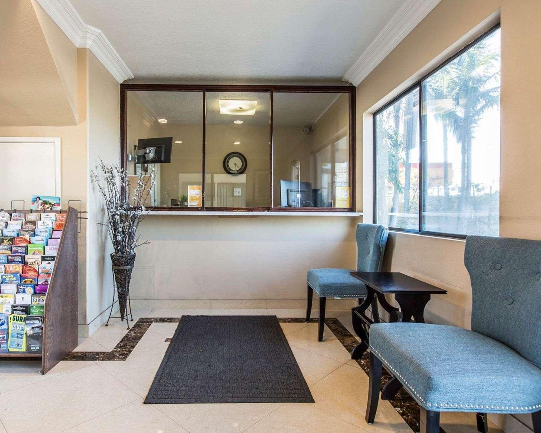 Lobby - Rodeway Inn & Suites Inglewood