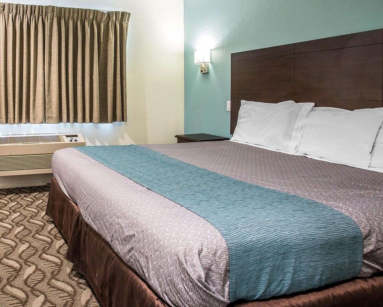 Suite - Rodeway Inn & Suites Inglewood