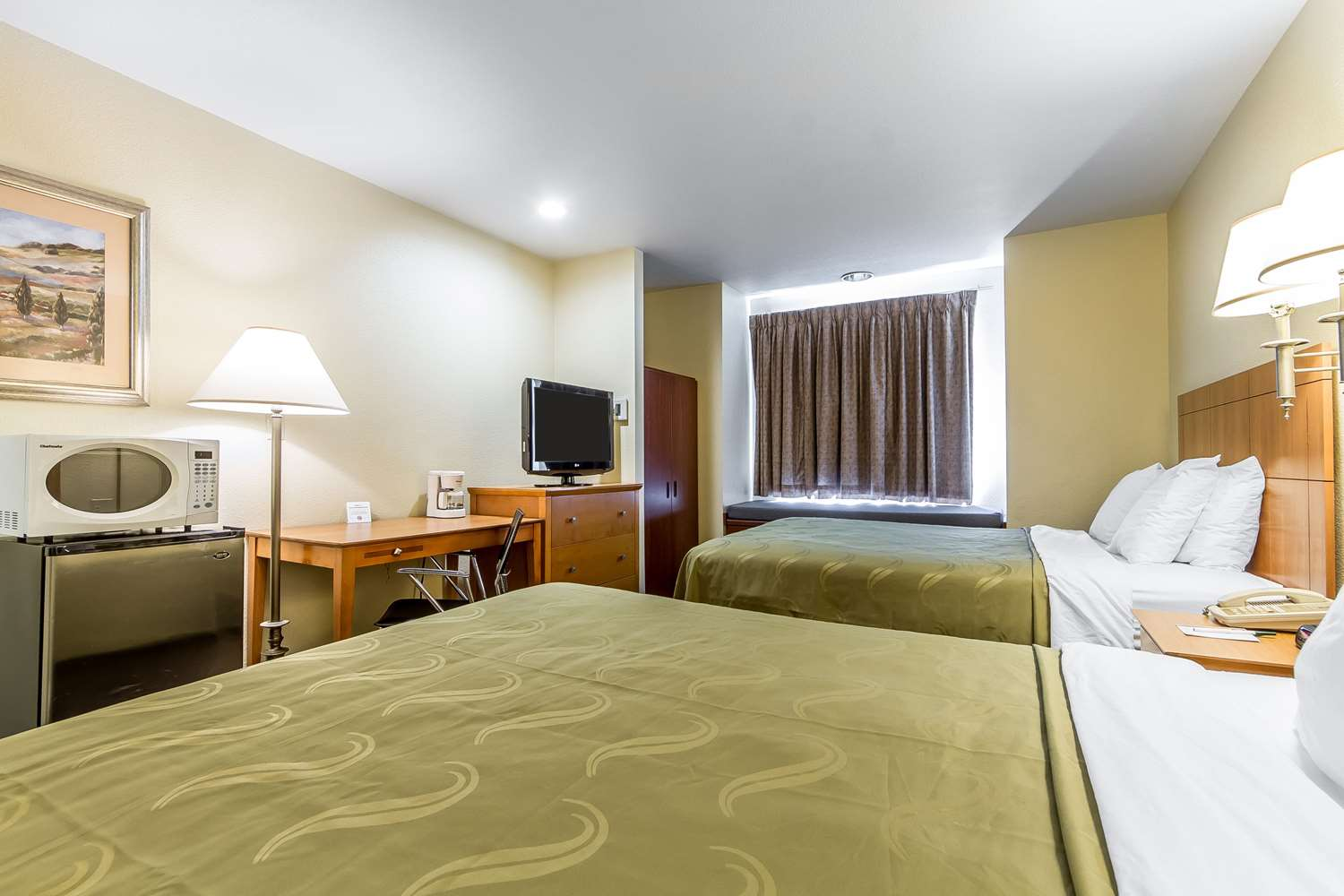 Room - Quality Inn & Suites Santa Rosa