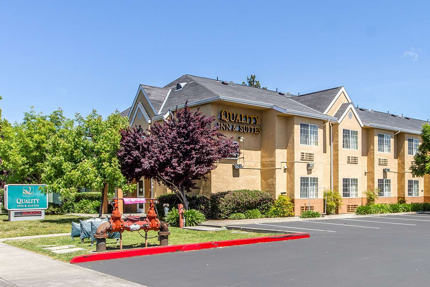 Exterior view - Quality Inn & Suites Santa Rosa