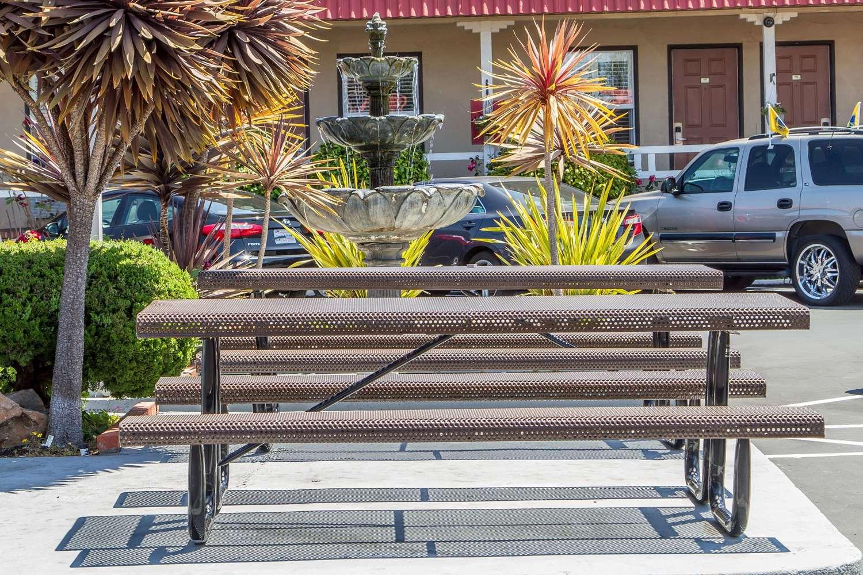 Exterior view - Rodeway Inn Berkeley