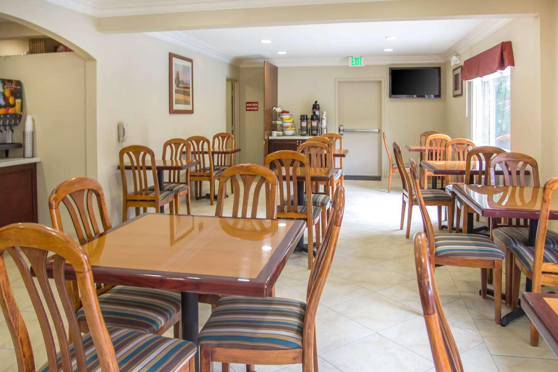 Restaurant - Comfort Inn Hawthorne