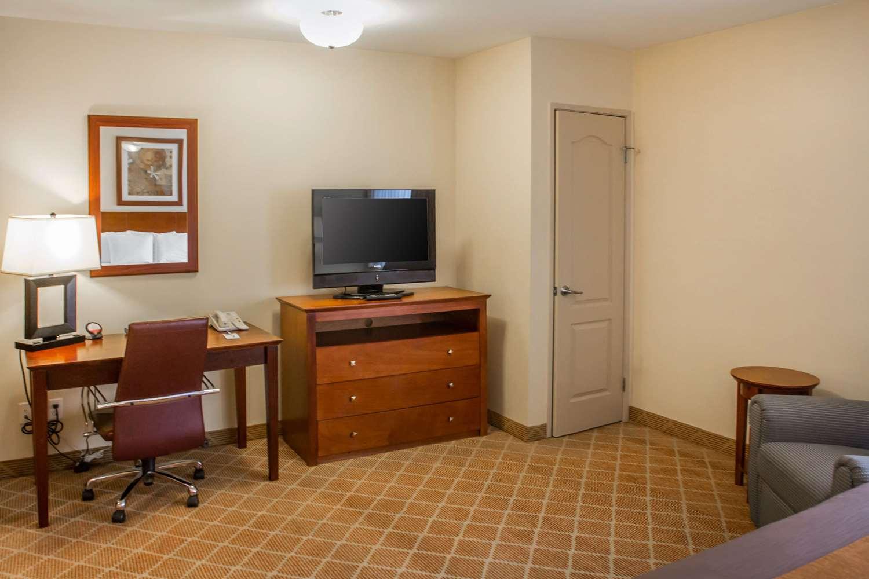 Room - Comfort Inn Hawthorne