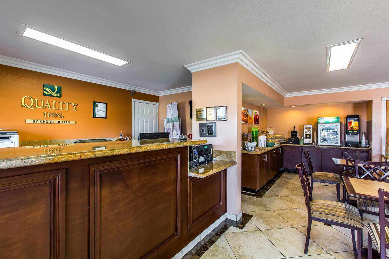 Lobby - Quality Inn Lake Elsinore