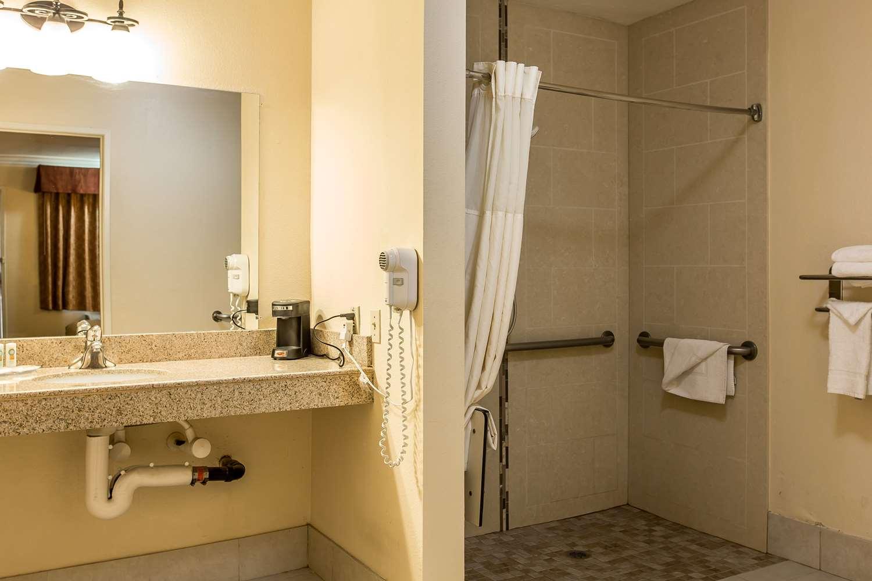Room - Quality Inn Lake Elsinore