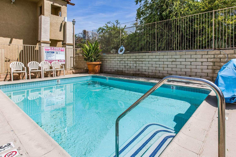 Pool - Quality Inn Lake Elsinore