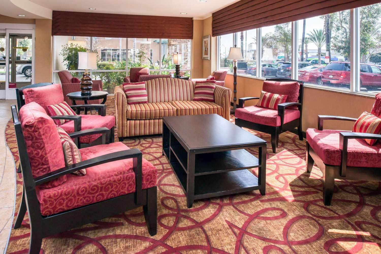 Lobby - Comfort Suites Airport Ontario