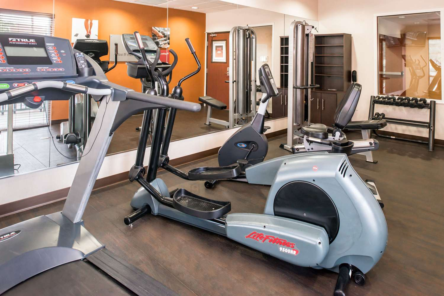 Fitness/ Exercise Room - Comfort Suites Airport Ontario