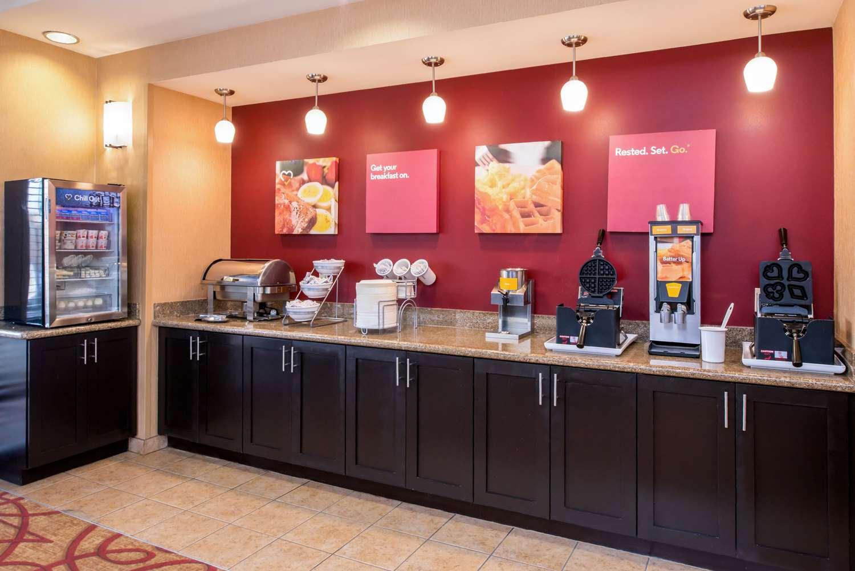 Restaurant - Comfort Suites Airport Ontario