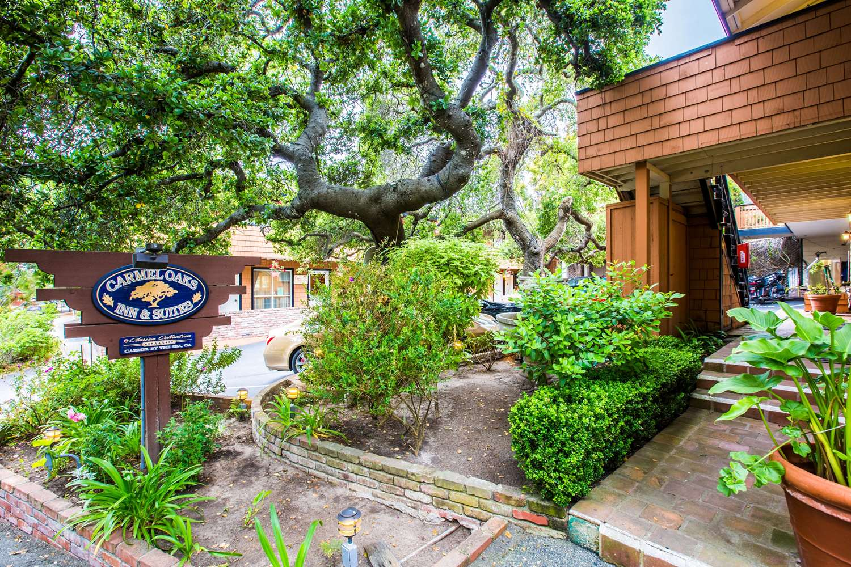 Carmel Oaks Inn & Suites, CA - See Discounts