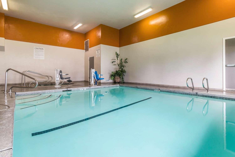 Pool - Comfort Inn Eureka