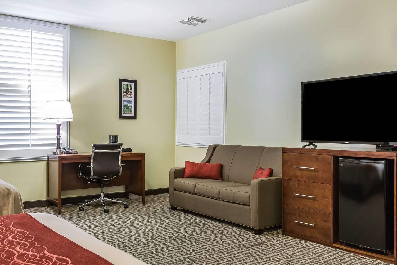 Room - Comfort Inn Pomona