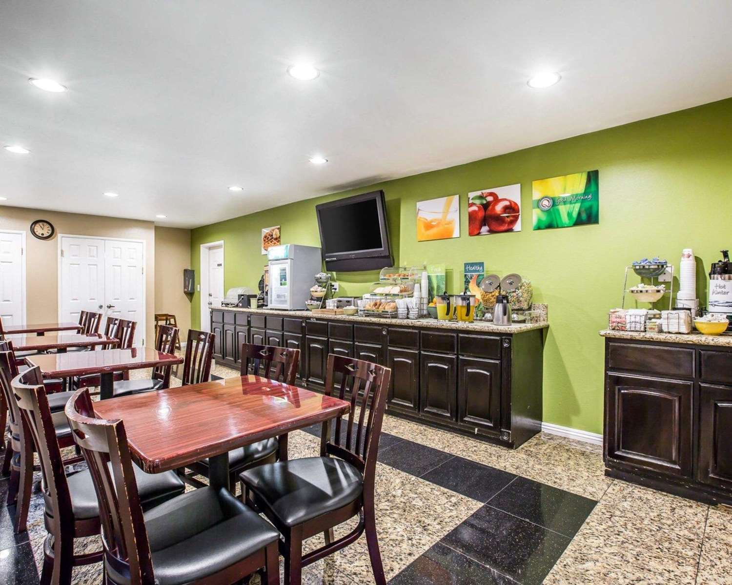 Restaurant - Quality Inn & Suites Thousand Oaks
