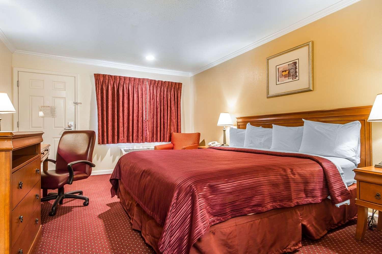 Room - Quality Inn & Suites Gilroy