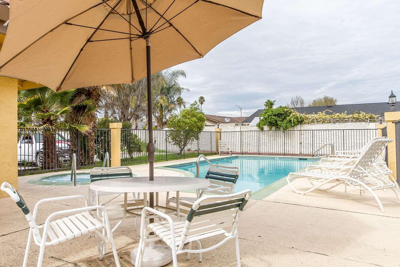Pool - Quality Inn & Suites Gilroy