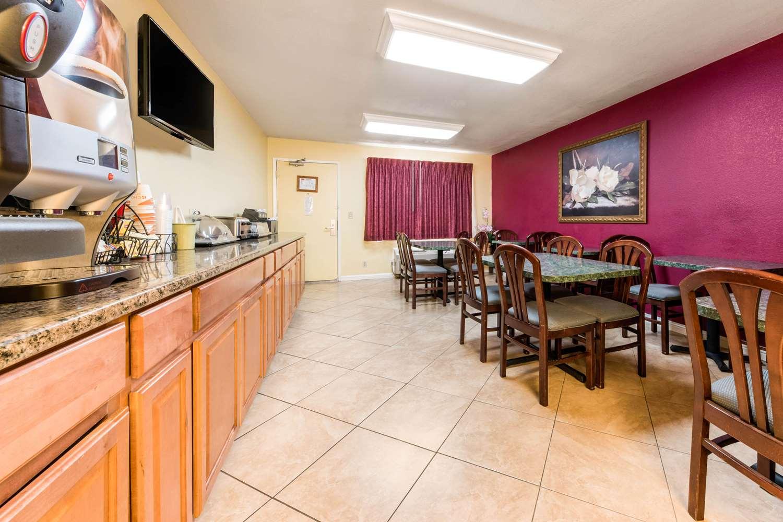 Restaurant - Econo Lodge Gilroy