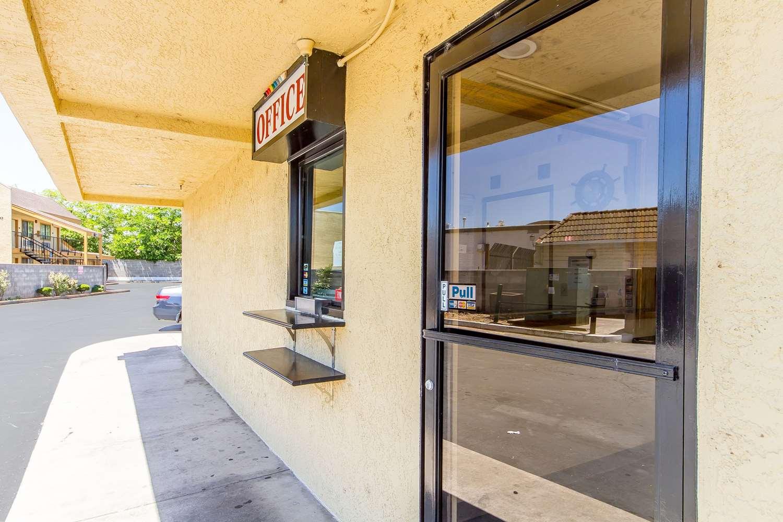 Exterior view - Rodeway Inn Sacramento