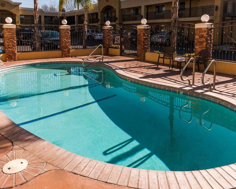 Pool - Quality Inn Chico