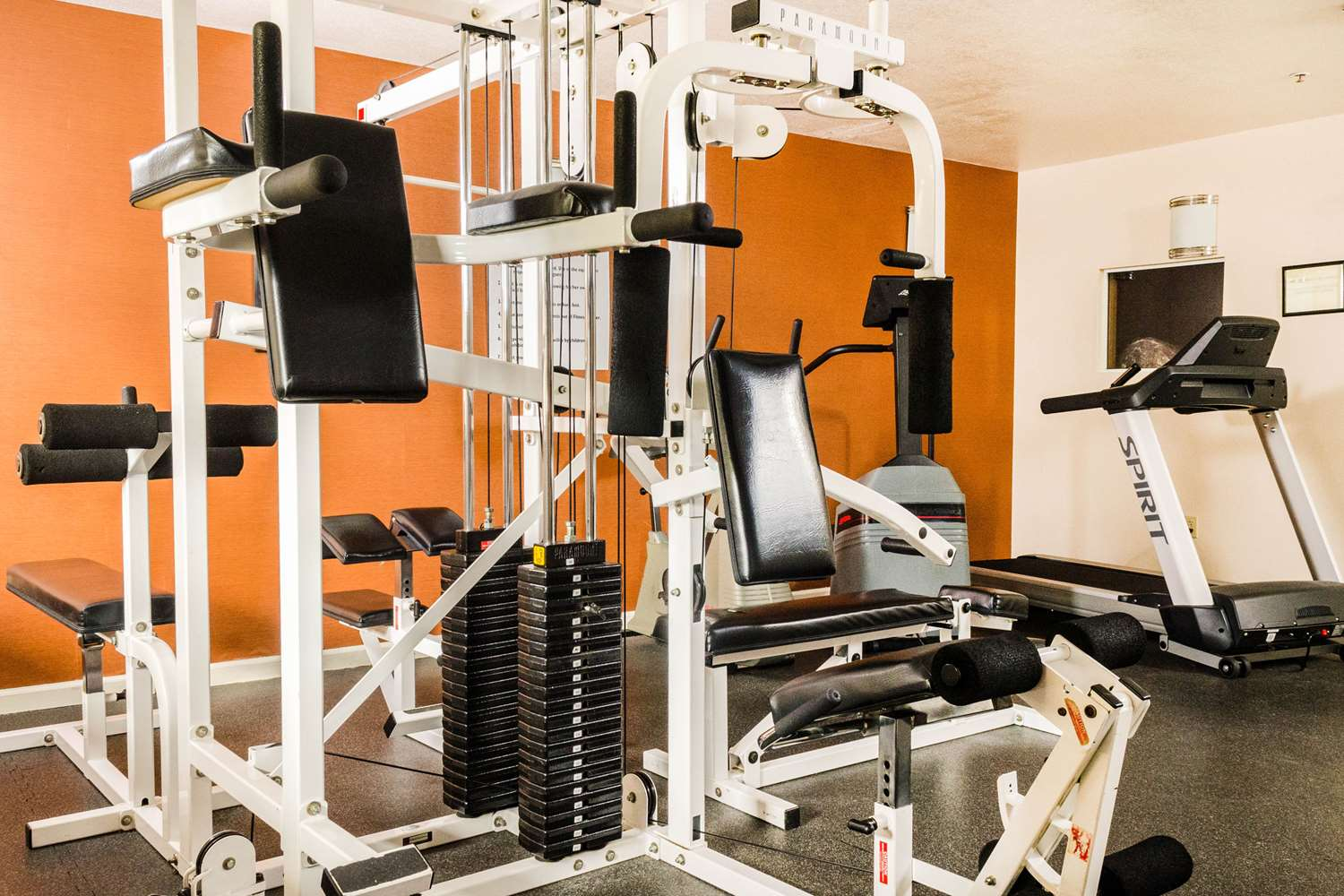Fitness/ Exercise Room - Quality Inn & Suites Lathrop