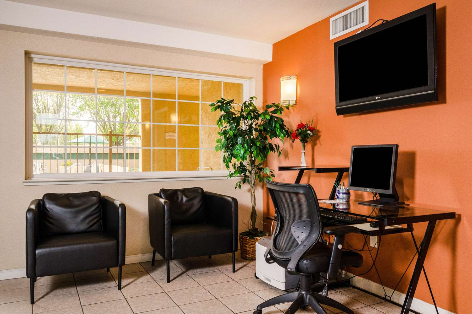 Conference Area - Quality Inn & Suites Lathrop