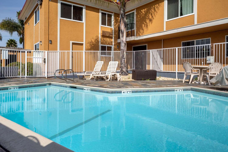 Pool - Comfort Inn Castro Valley