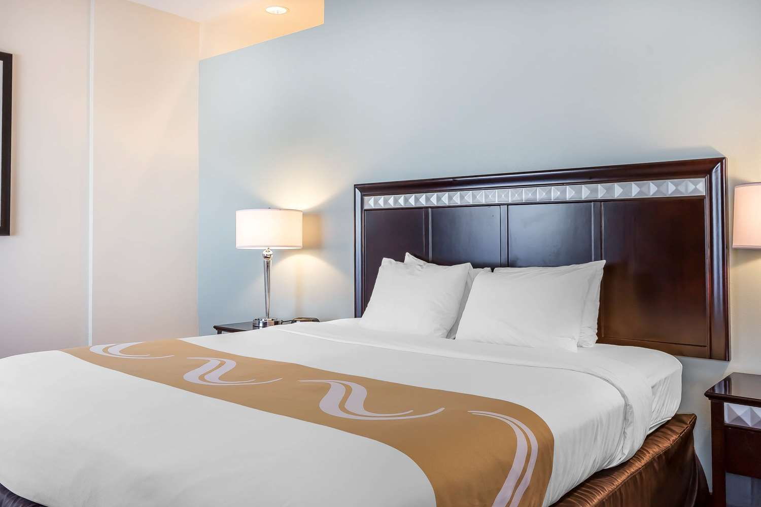 Suite - Quality Inn & Suites Lake Forest
