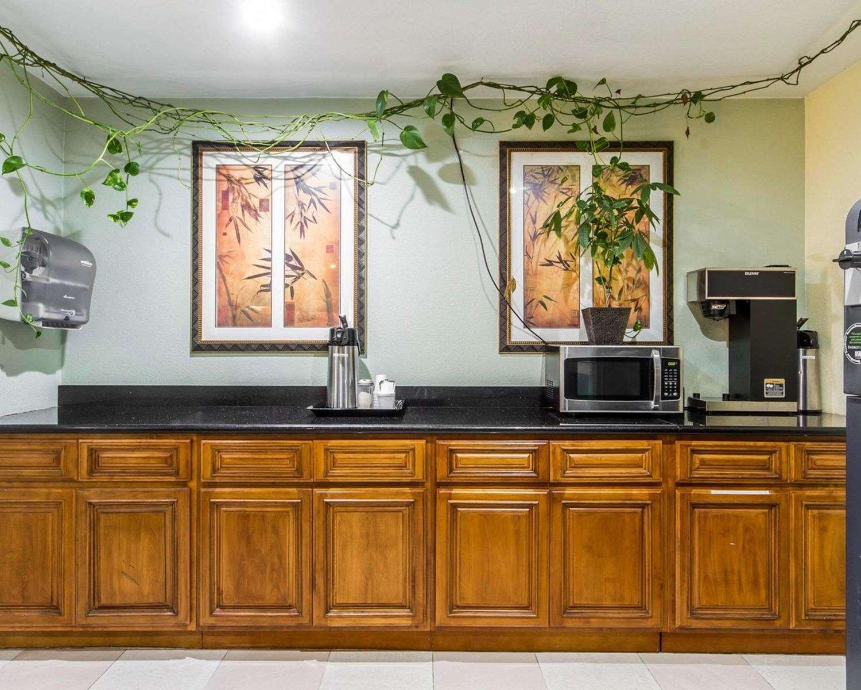 Restaurant - Rodeway Inn Vallejo