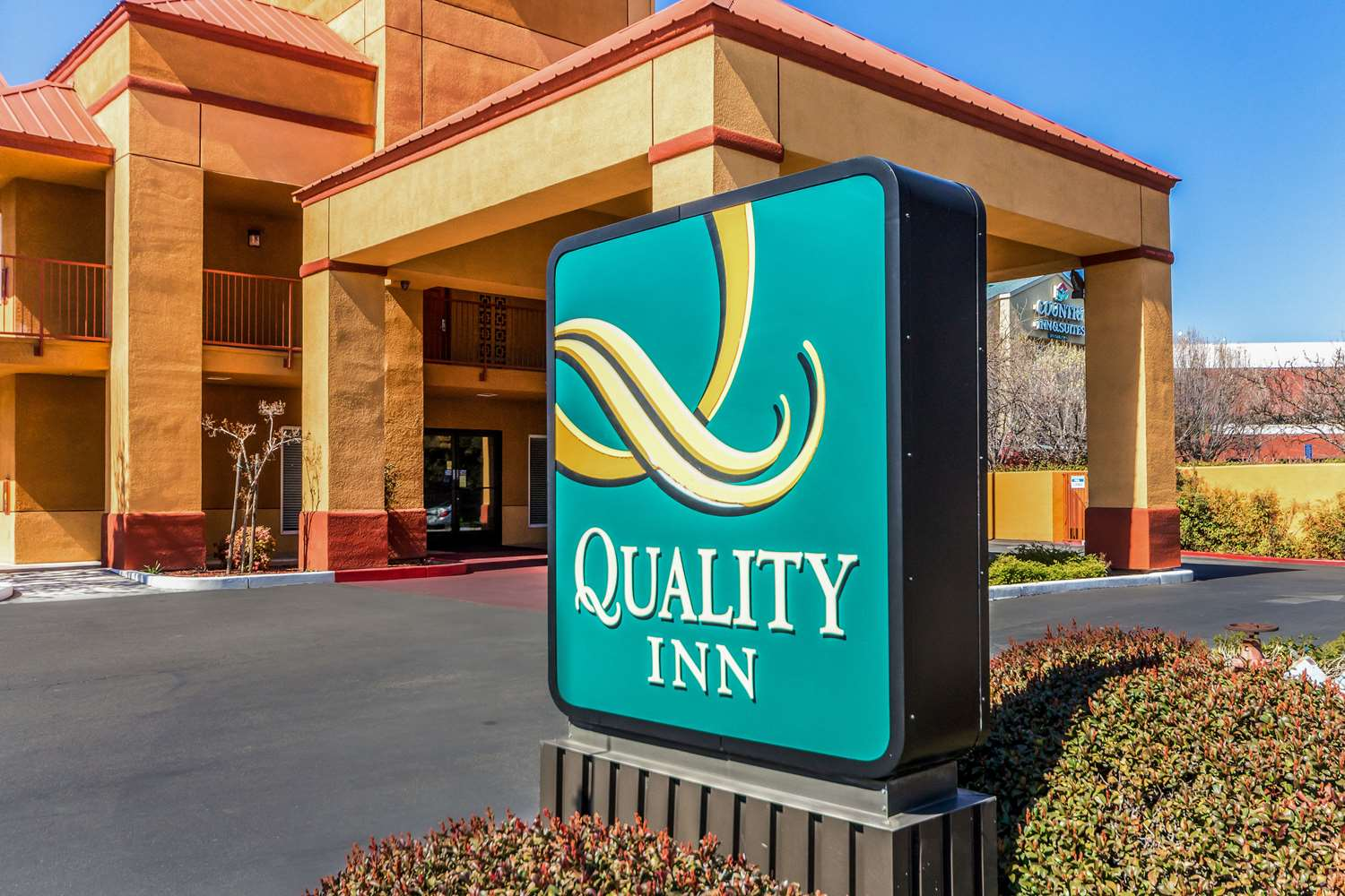 Exterior view - Quality Inn North Fresno
