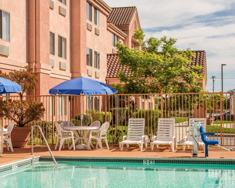 Pool - Rodeway Inn Watsonville