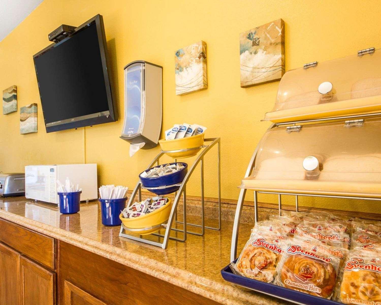Restaurant - Rodeway Inn Watsonville