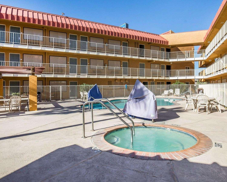 Pool - Rodeway Inn & Suites Needles