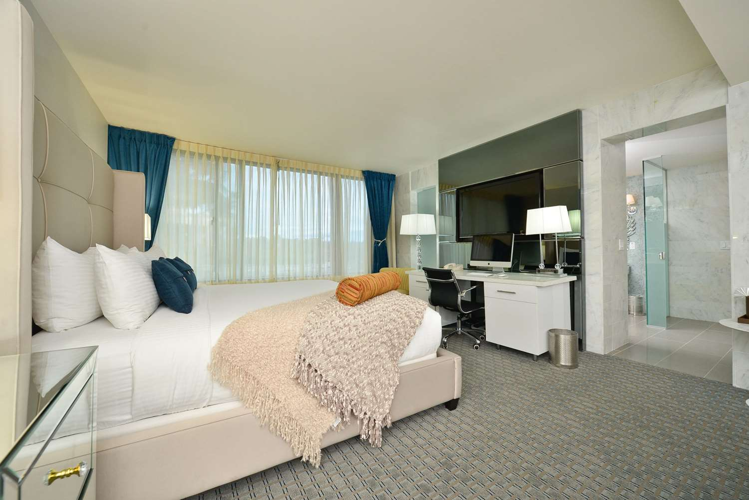 Suite - The Hills Hotel Laguna Hills