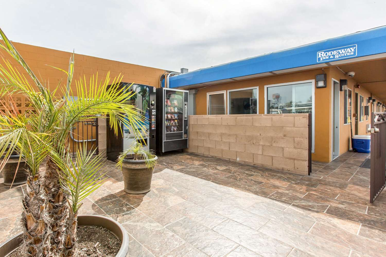 Exterior view - Rodeway Inn & Suites Chula Vista