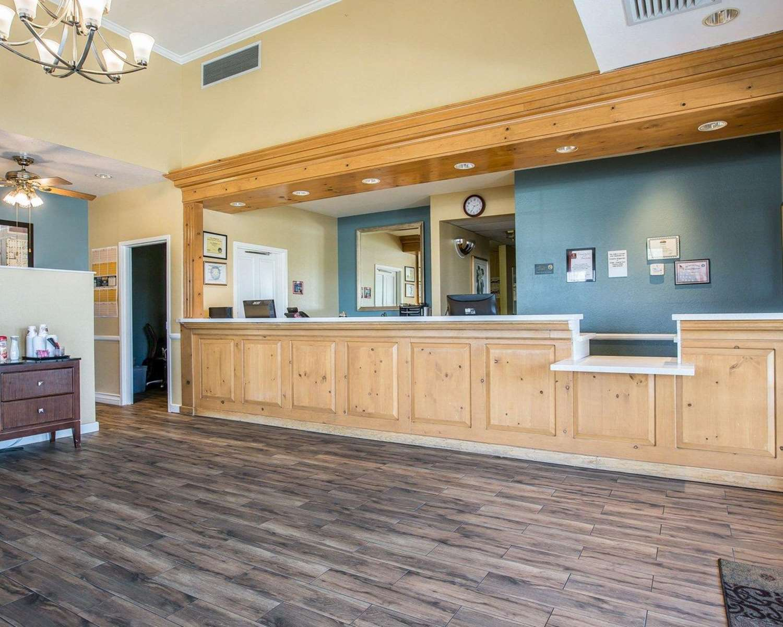 Lobby - Clarion Inn Ridgecrest