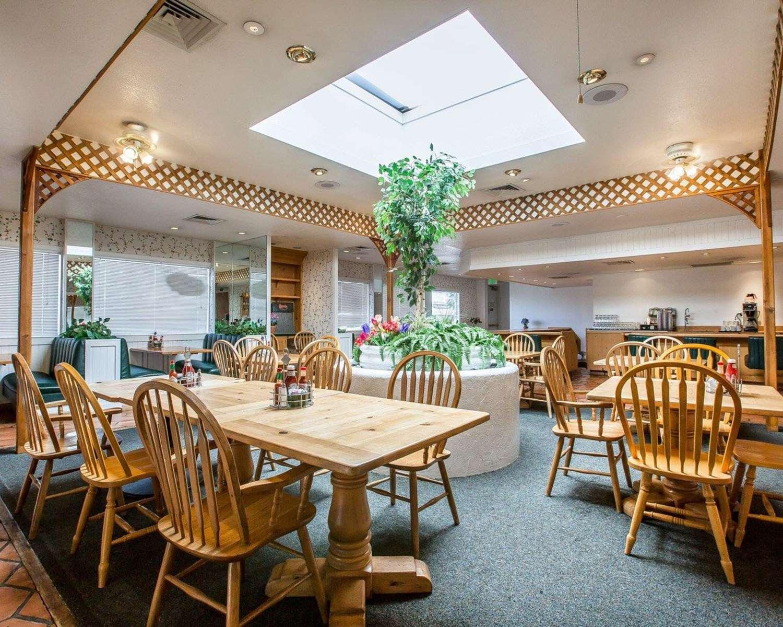Restaurant - Clarion Inn Ridgecrest
