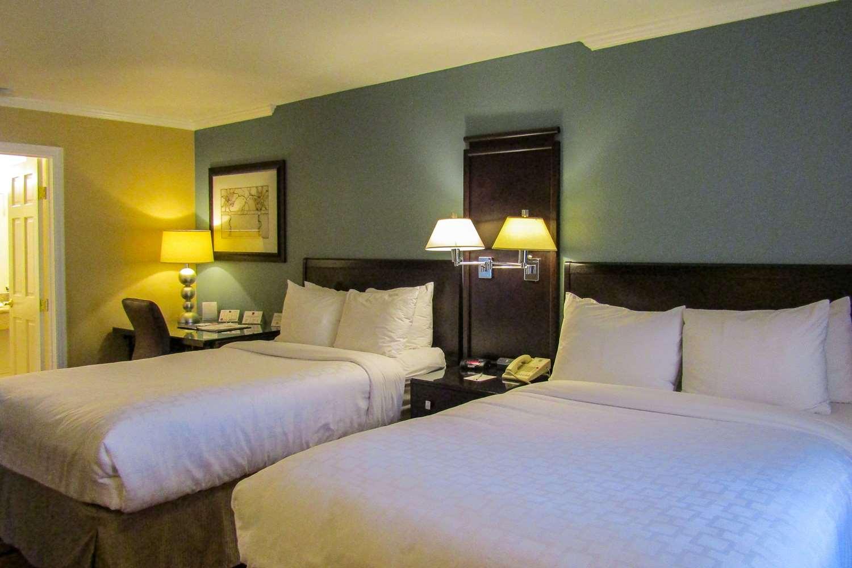 Room - Clarion Inn Ridgecrest