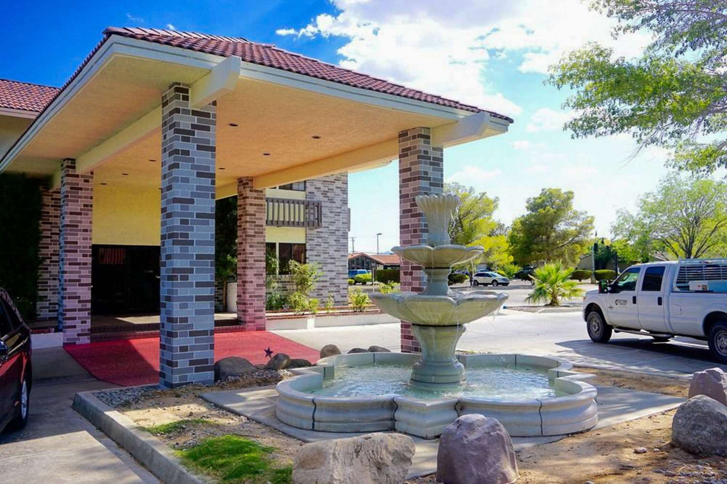 Exterior view - Rodeway Inn & Suites Ridgecrest