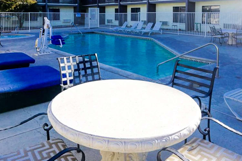 Pool - Rodeway Inn & Suites Ridgecrest