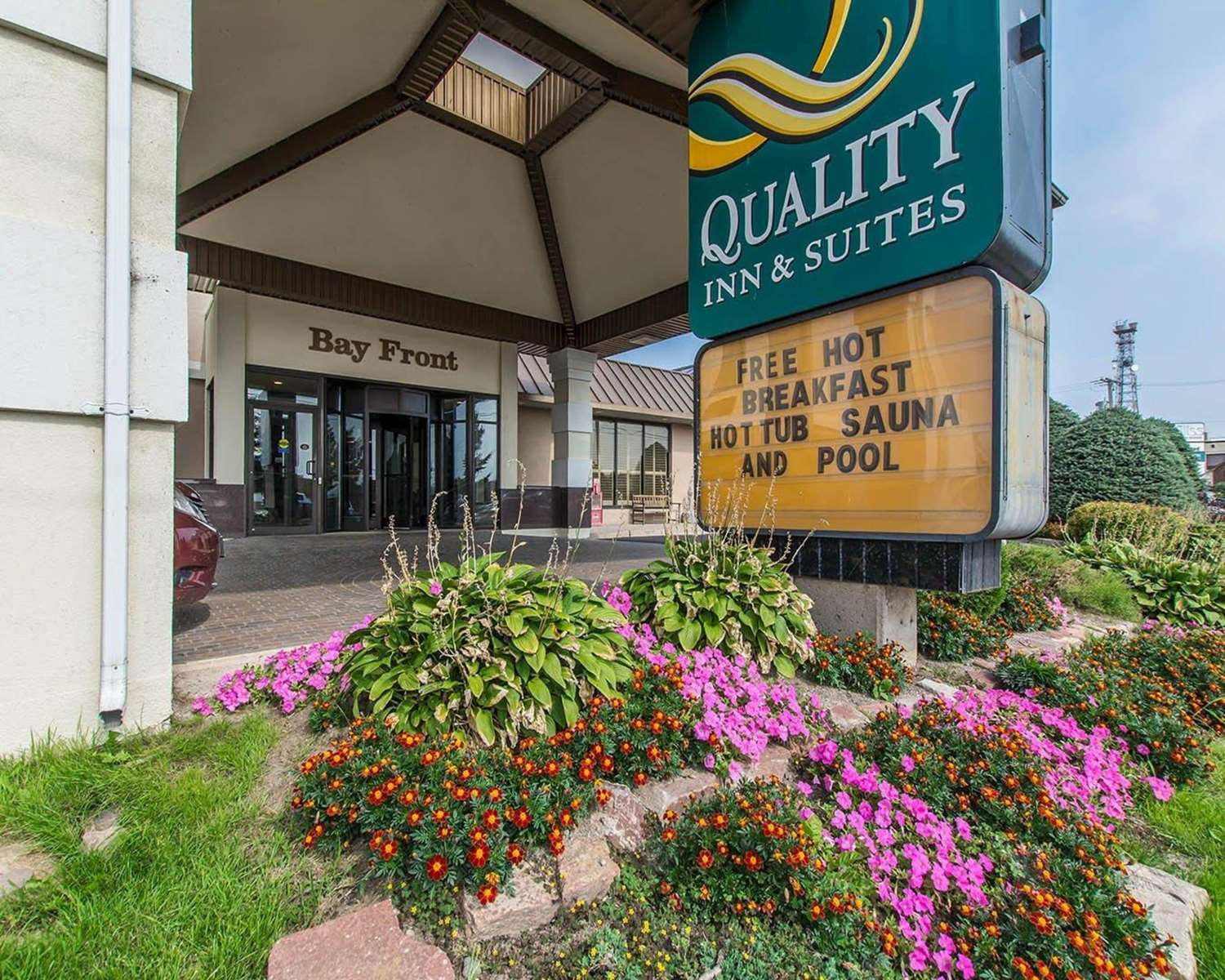 Exterior view - Quality Inn Bay Front Sault Ste Marie