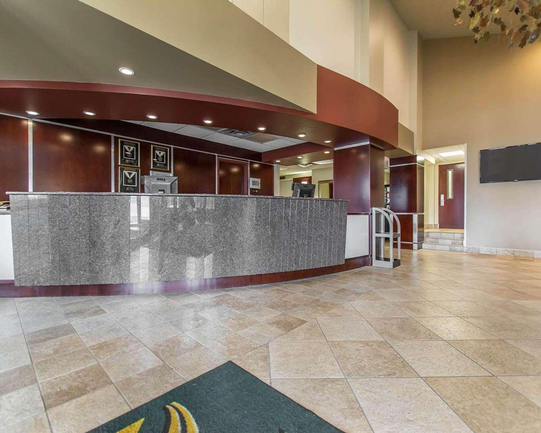 Lobby - Quality Inn Bay Front Sault Ste Marie