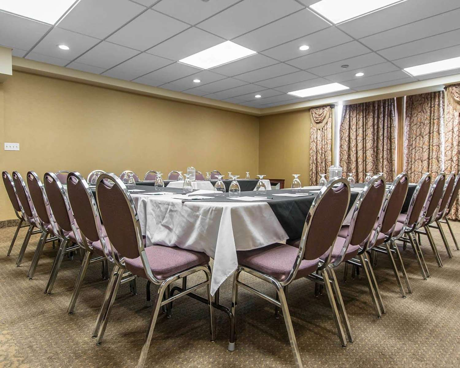 Meeting Facilities - Quality Inn Bay Front Sault Ste Marie