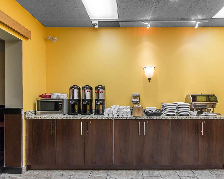 Restaurant - Quality Inn Bay Front Sault Ste Marie
