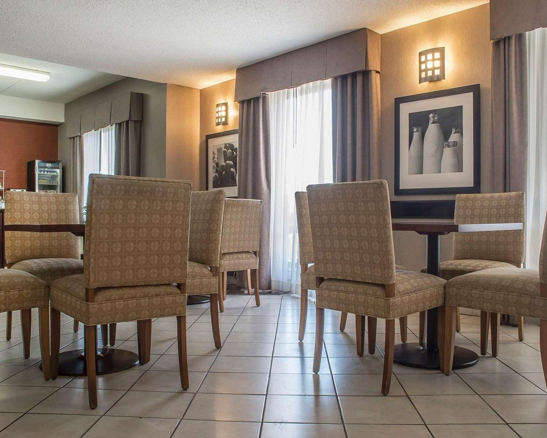 Lobby - Comfort Inn Port Hope