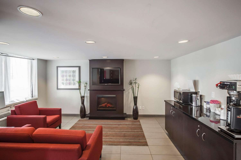 Lobby - Comfort Inn West Edmonton