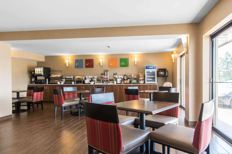 Restaurant - Comfort Inn Dartmouth