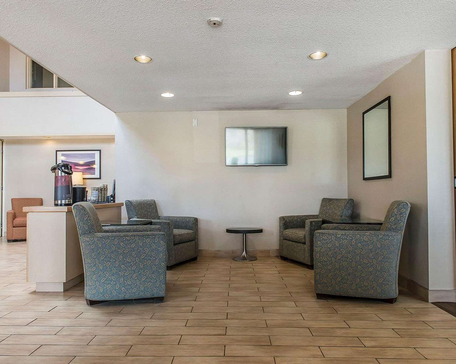 Lobby - Comfort Inn Hwy 401 Kingston