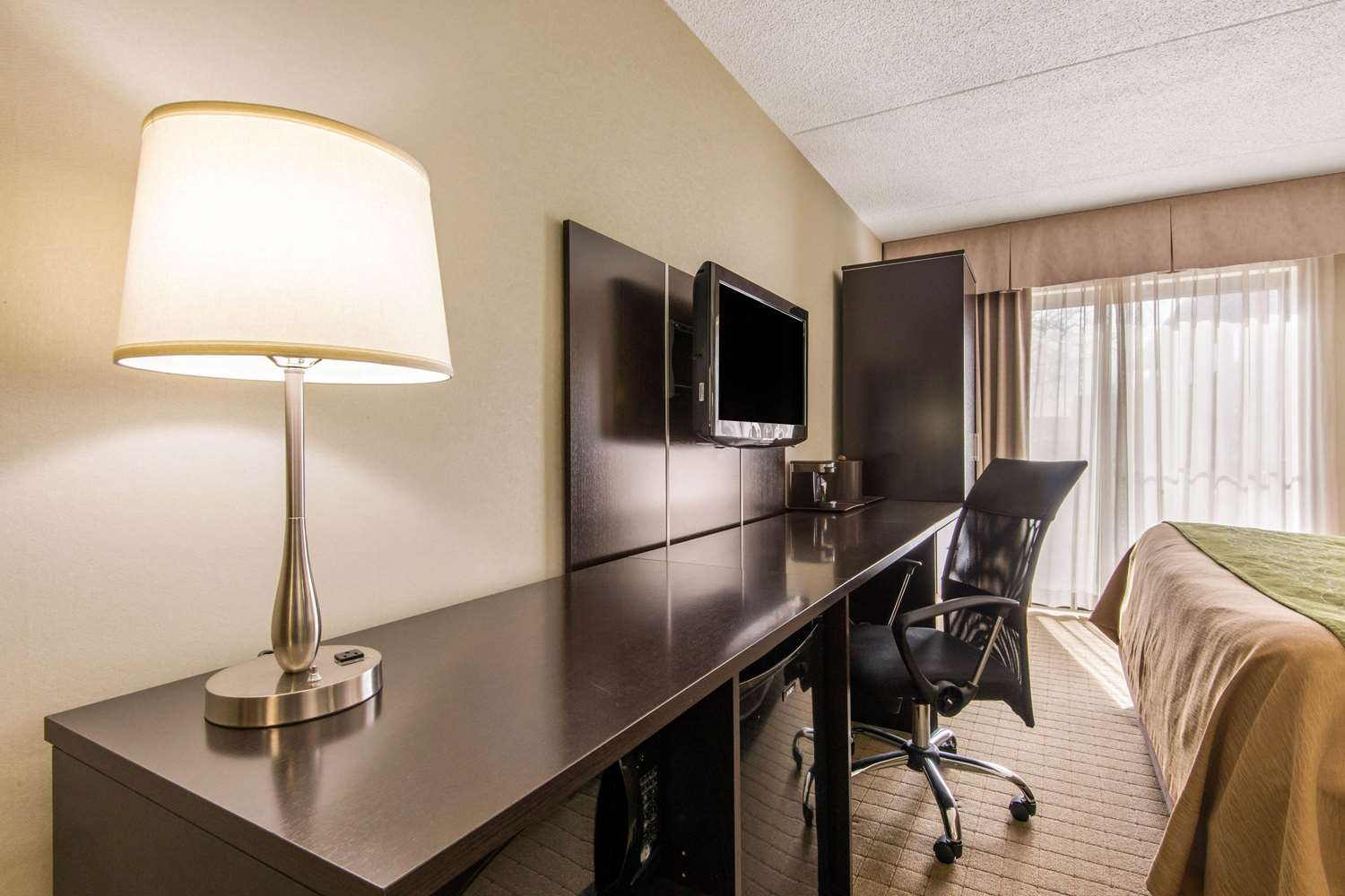 Room - Comfort Inn Toronto Airport West Mississauga