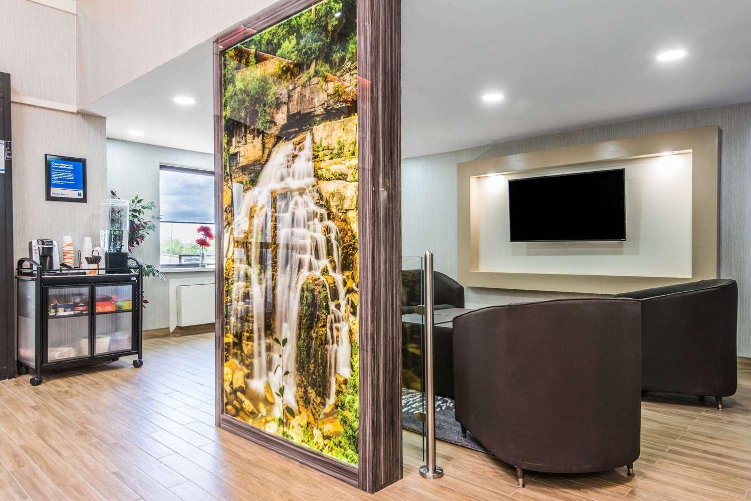 Lobby - Comfort Inn Owen Sound